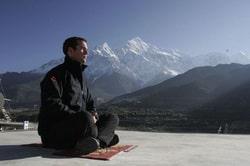 la meditación - hombre meditando