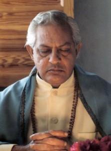 Gururaj Meditando