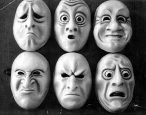 caras que muestran las emociones