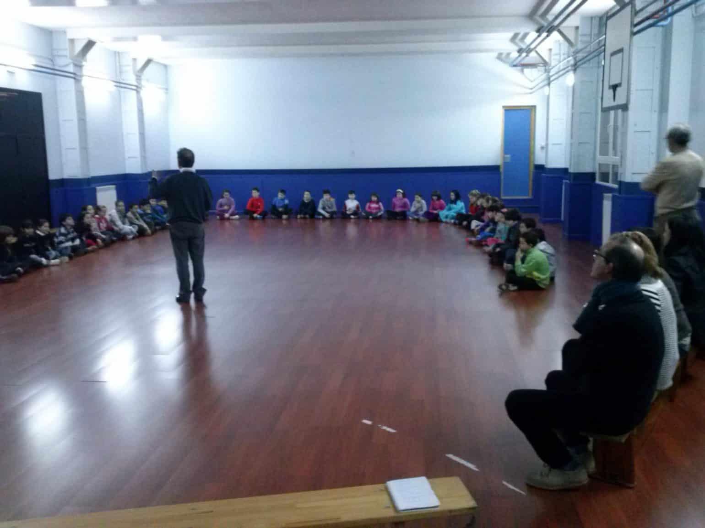 Clases de meditación en un colegio de Gijón