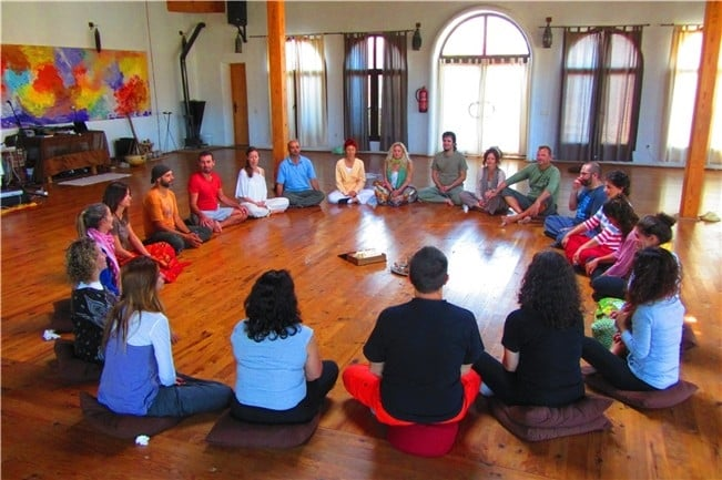 Meditación en grupo en Sevilla Este