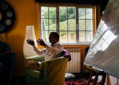 Profesor Mindfulness en el Ashram de la Peral Asturias