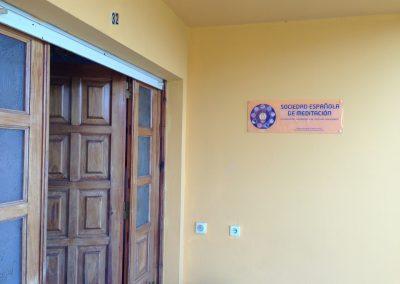 puerta del ashram